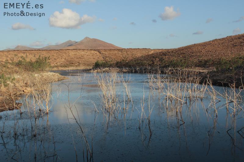 Fotografías de Paisajes en Fuerteventura por Emeyé Agua en el desierto