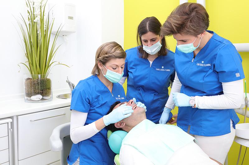 Fotografia negocios clínica dental dentista