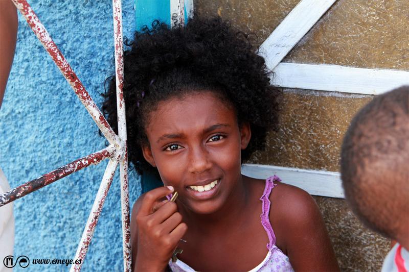 Reportaje Fotográfico Emeyé Niños Felices